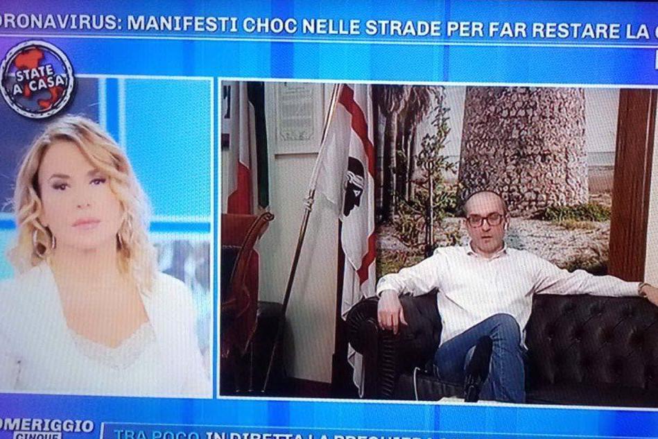 Manifesti choc a Cagliari: Paolo Truzzu in diretta con Barbara D'Urso