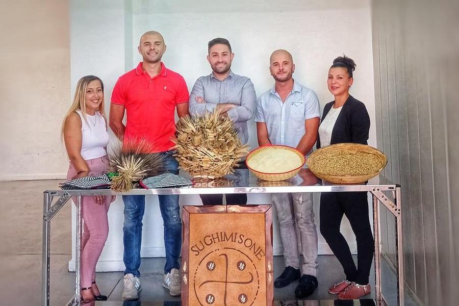 Oliena, cinque giovani scommettono sul grano locale e sul territorio