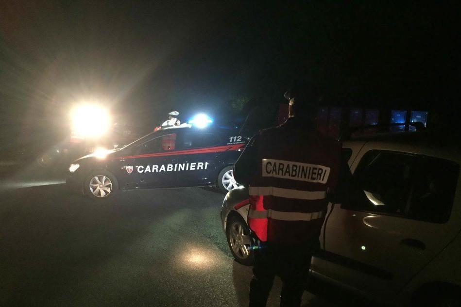 Musica alta e assembramenti nella villa super-lusso: arrivano i carabinieri