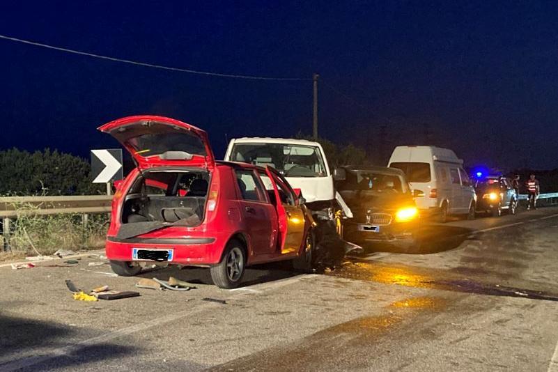 Pauroso scontro aPorto Torres: tre auto coinvolte, grave un 58enne