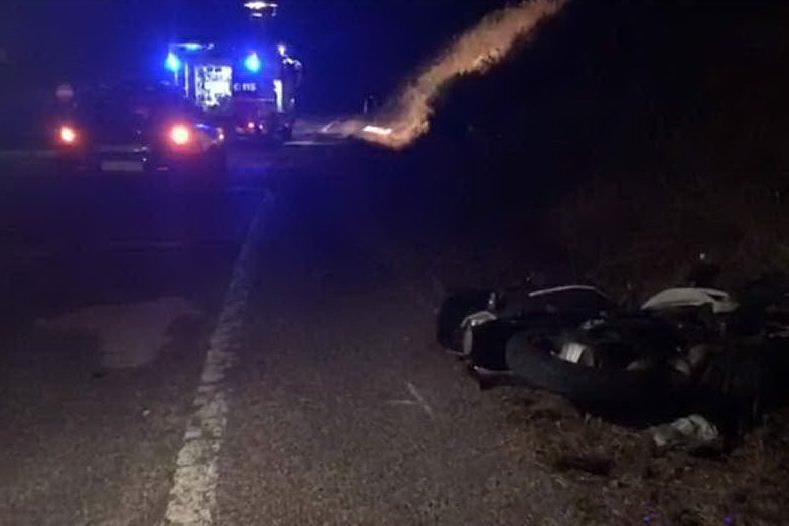 Fermo allo stop, auto lo travolgePorto Torres, muore un turista