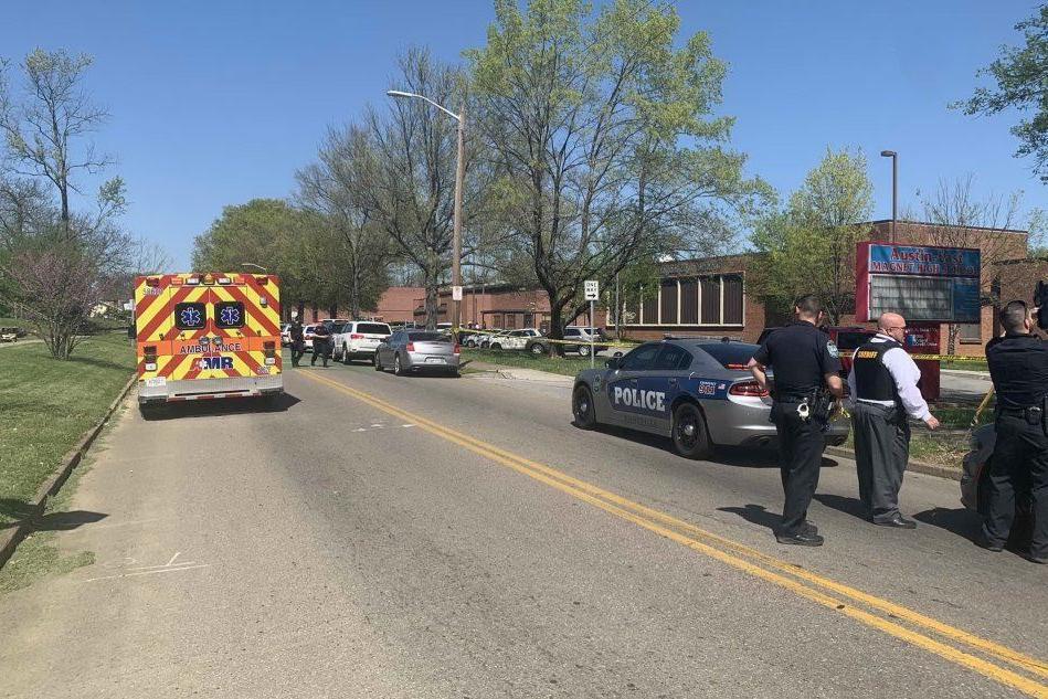 Sparatoria in un liceo del Tennessee, diversi feriti