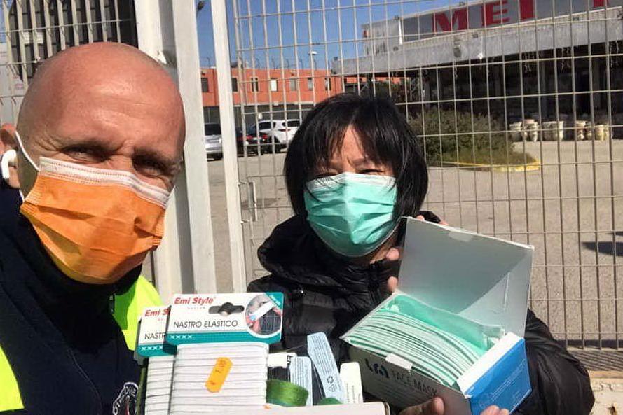 Quartu, la comunità cinese aiuta i volontari a realizzare mascherine