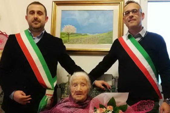 Bonarcado, tzia Emilia Pisanu spegne 102 candeline