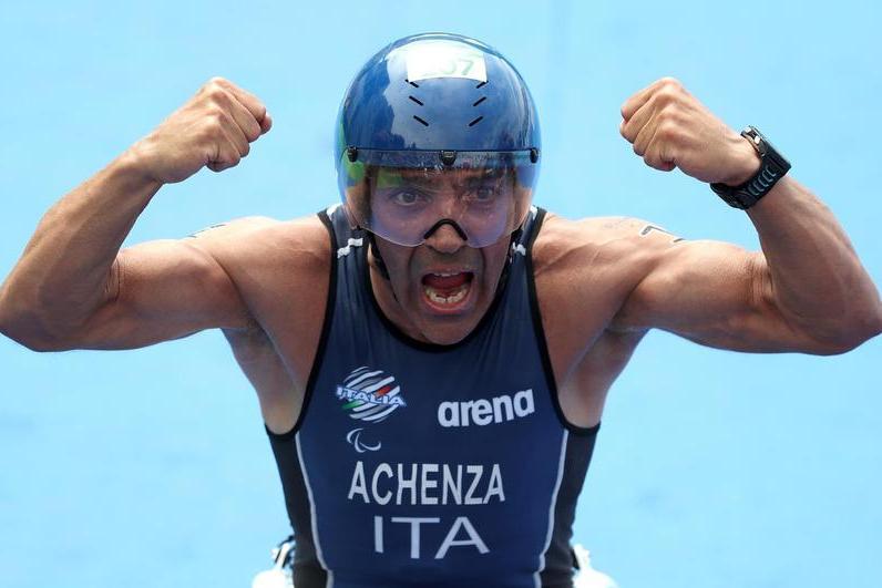 Paralimpiadi, il sardo Achenza vince la medaglia di bronzo nel triathlon ptwc