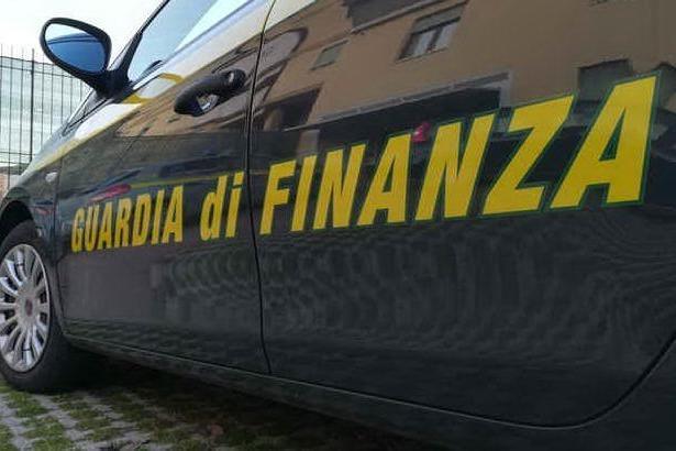 False fatture per circa 6 milioni di euro: tre cittadini cinesi denunciati per frode fiscale