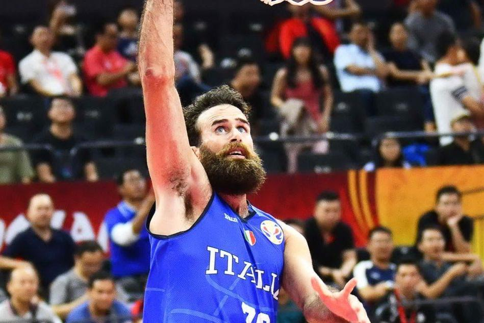 Basket: l'olbiese Datome supera i 2.000 punti in Eurolega