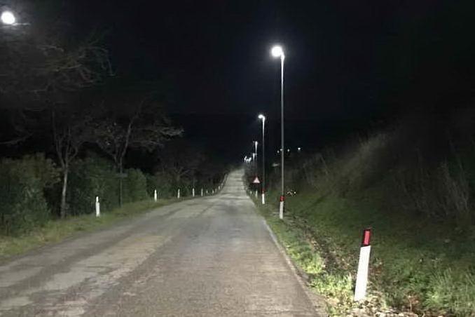 La nuova illuminazione pubblica (foto Sanna)