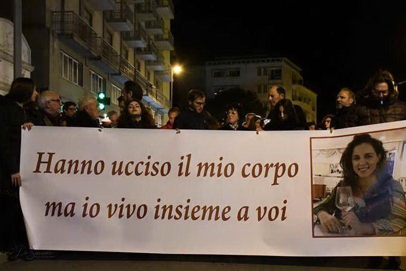 Una fiaccolata a Marsala per ricordare Nicoletta, uccisa a coltellate e bruciata