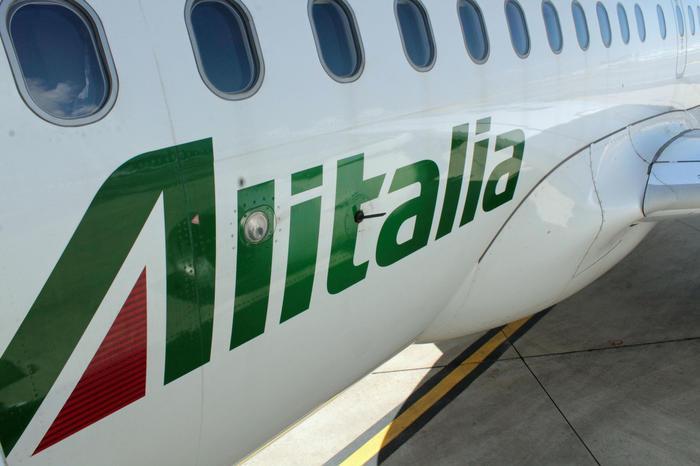 """""""L'addio di Alitalia, e le domande sui voli cui nessuno dà risposta"""""""