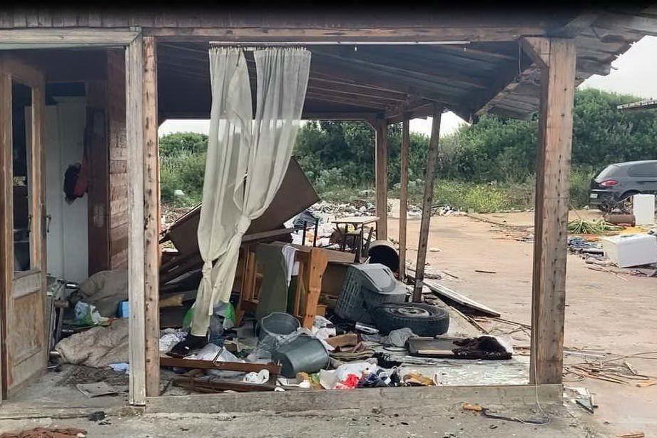 Porto Torres, bonifica al campo rom: quintali di rifiuti da rimuovere