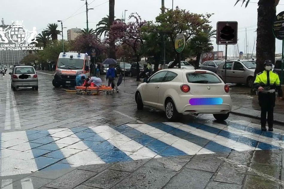Cagliari: travolto da un'auto in via Roma