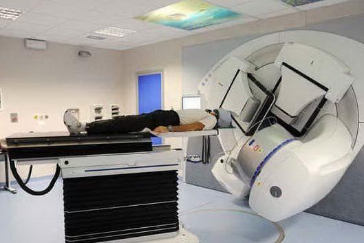 Tumori, uno studio italiano solleva dubbi sull'efficacia dell'adroterapia