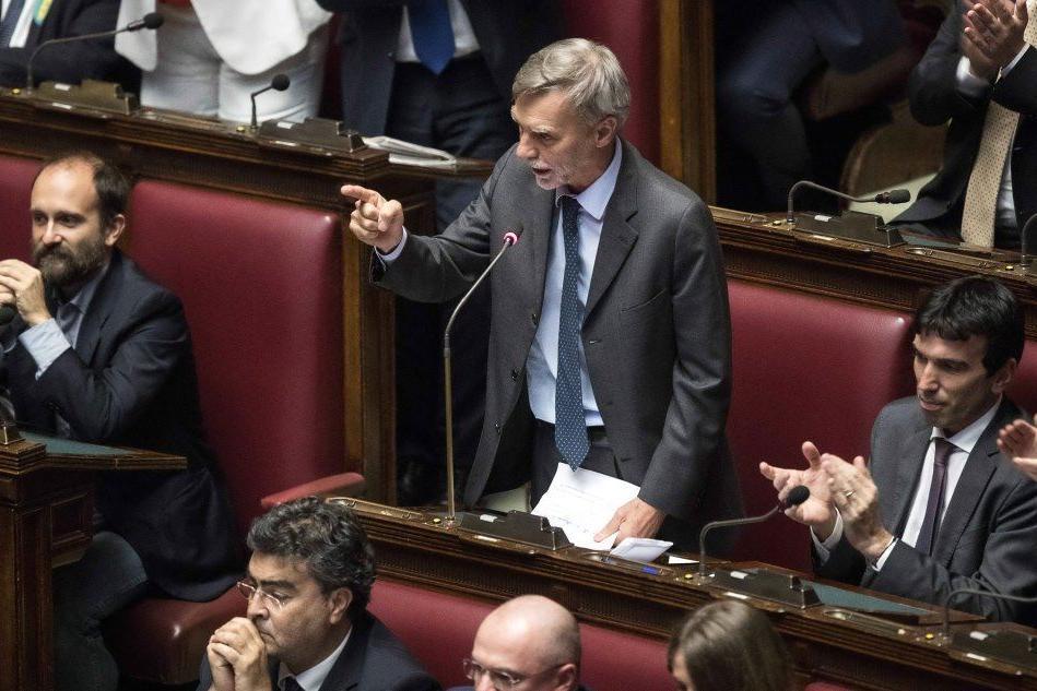 """Delrio a Conte: """"Il congiunto di Mattarella si chiamava Piersanti"""""""