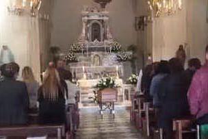 Settimo San Pietro, in una chiesa semideserta i funerali di Igor Diana