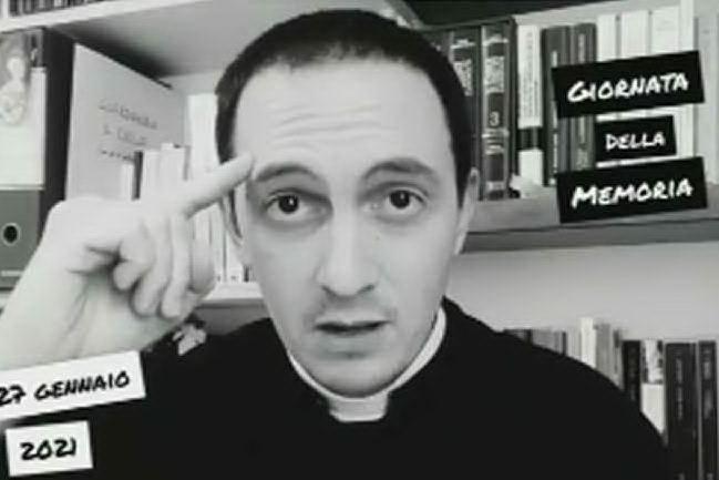 Paragona l'olocausto all'aborto, parroco al centro delle polemiche