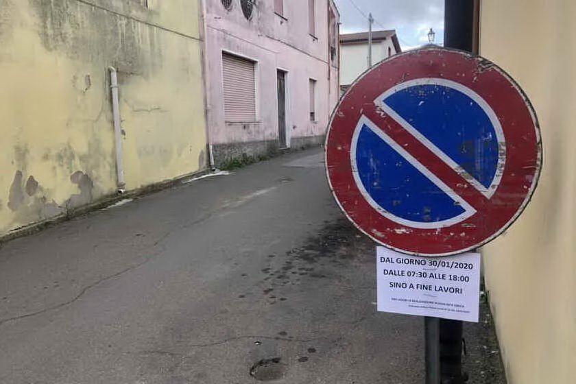 I lavori per la rete del gas ancora fermi: la protesta del sindaco di Guamaggiore