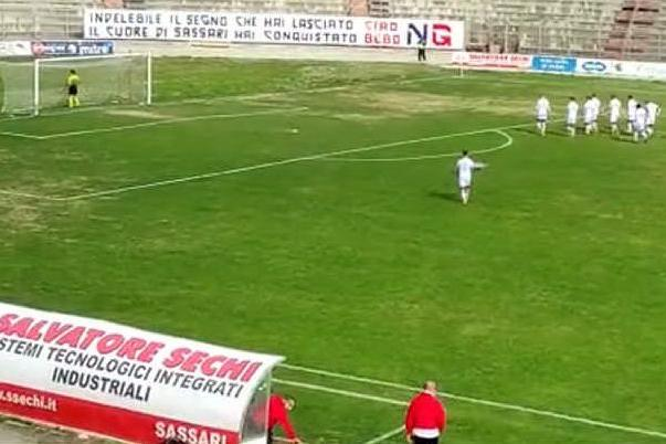 L'omaggio di Torres e Nocerina al tecnico Bebo Leonardi