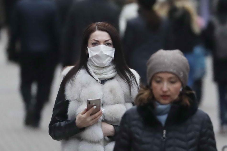 """La Cina accusa di razzismo gli Usa: """"Non siamo tutti malati"""""""