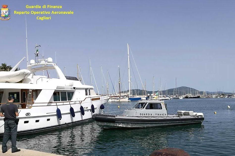 Barche a vela e yacht sconosciuti al fisco italiano: blitz ad Alghero