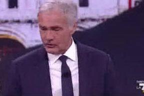 """Giletti si sente male in diretta: """"Cerchiamo di continuare con la trasmissione"""""""