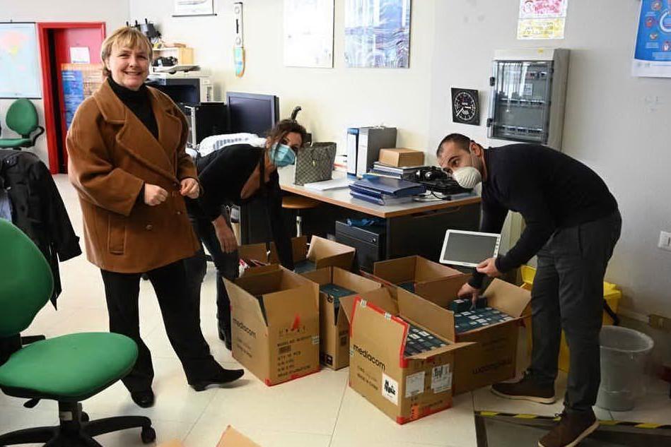 Didattica a distanza: Deffenu, 173 tablet in dotazione agli studenti