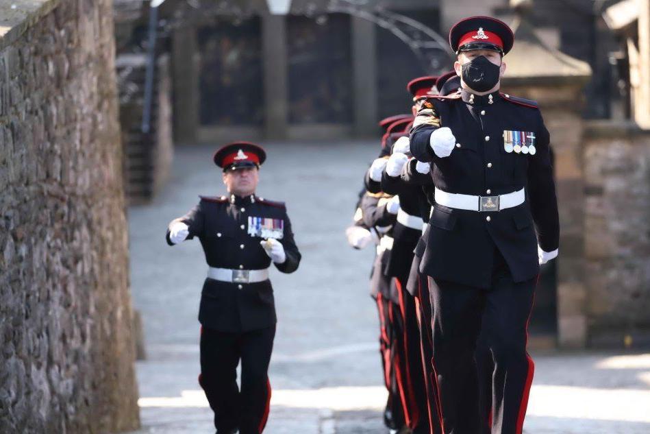 Il minuto di silenzio per il Principe Filippo, poi il funerale