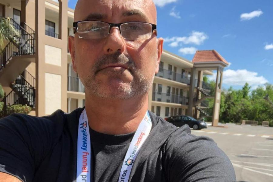 Il manager Marco De Veglia (foto Instagram)
