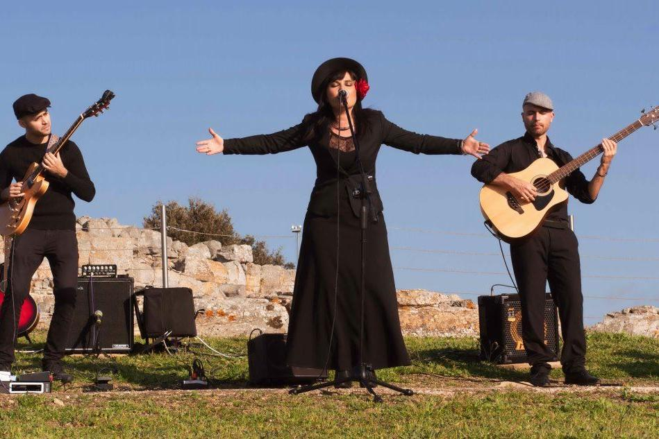 Da Genna Maria, sabato, parte il tour online tra i nuraghi di Claudia Aru e band