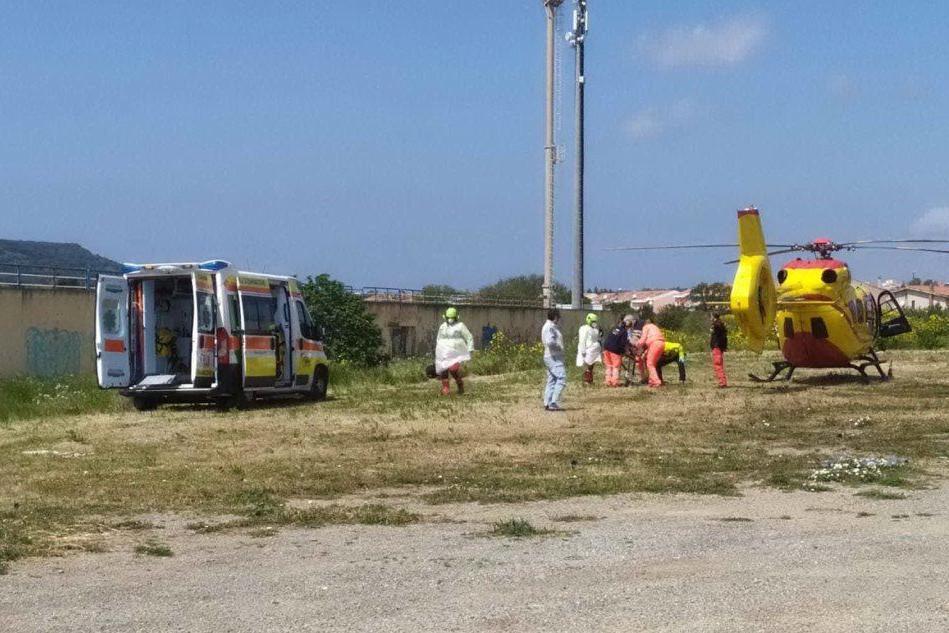 Trasportata d'urgenza a Carbonia ma il cancello è chiuso: muore paziente