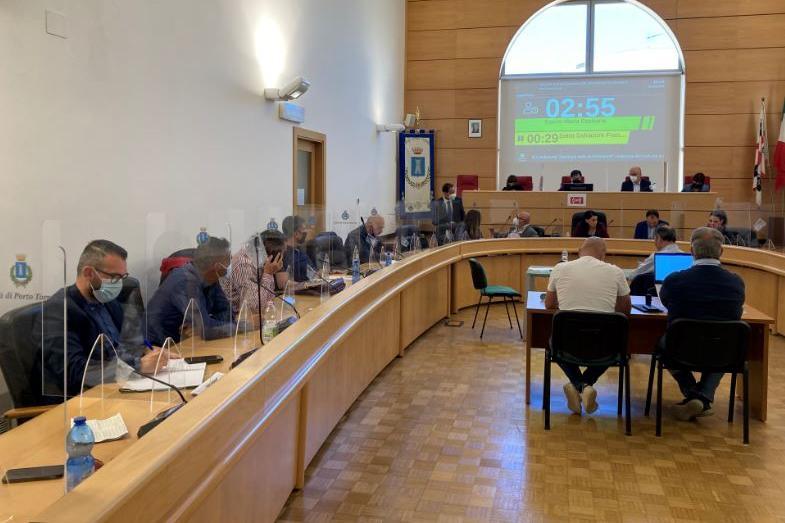 """Caso Bruzzi, il sindaco Mulas lo sferza: """"Si dimetta da consigliere"""""""