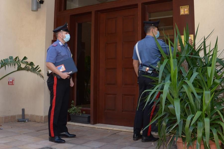 Cagliari, aggredisce e minaccia la ex davanti al figlio piccolo: arrestato