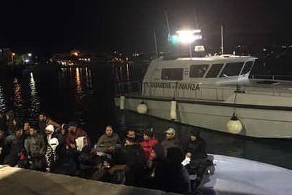 Hotspot di Lampedusa in tilt: 791 profughi in 48 ore, ne può ospitare 100