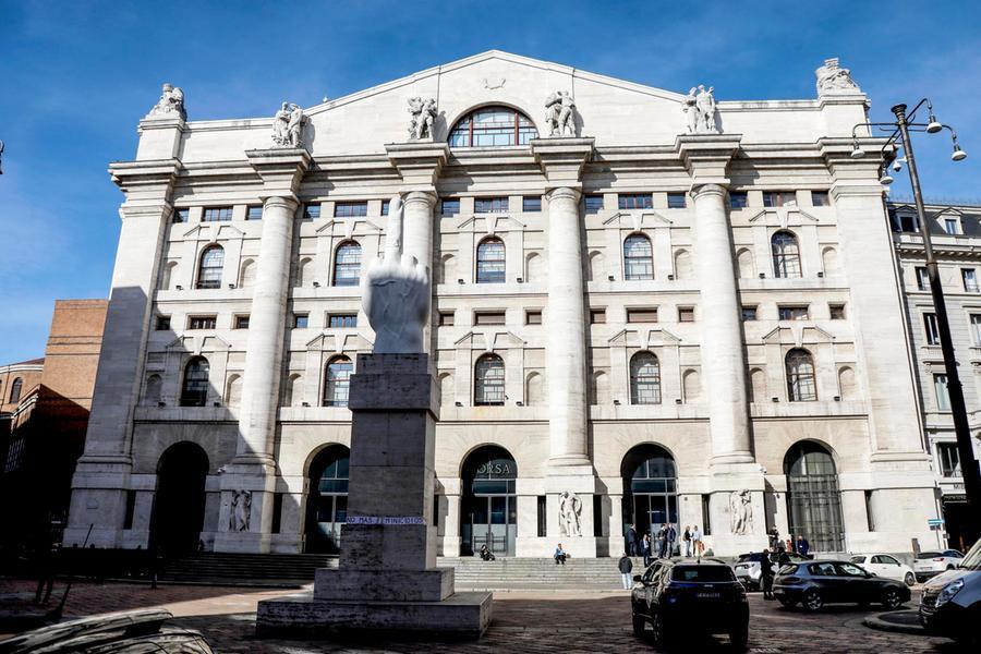 Borse europee col segno più, Piazza Affari guadagna lo 0,71%