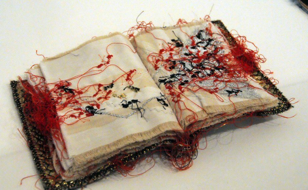"""Un \""""libro cucito\"""""""