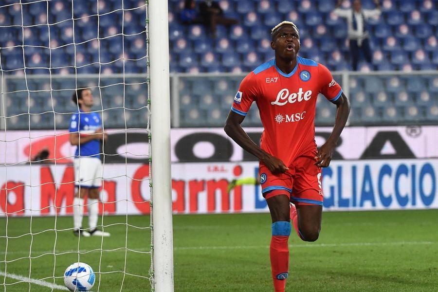 Il Napoli travolge la Samp ed è a punteggio pieno, per la Lazio solo pari a Torino