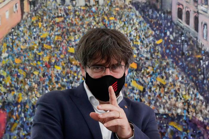 """Bagno di folla ad Alghero per Carles Puigdemont: """"Qui mi sento a casa"""""""