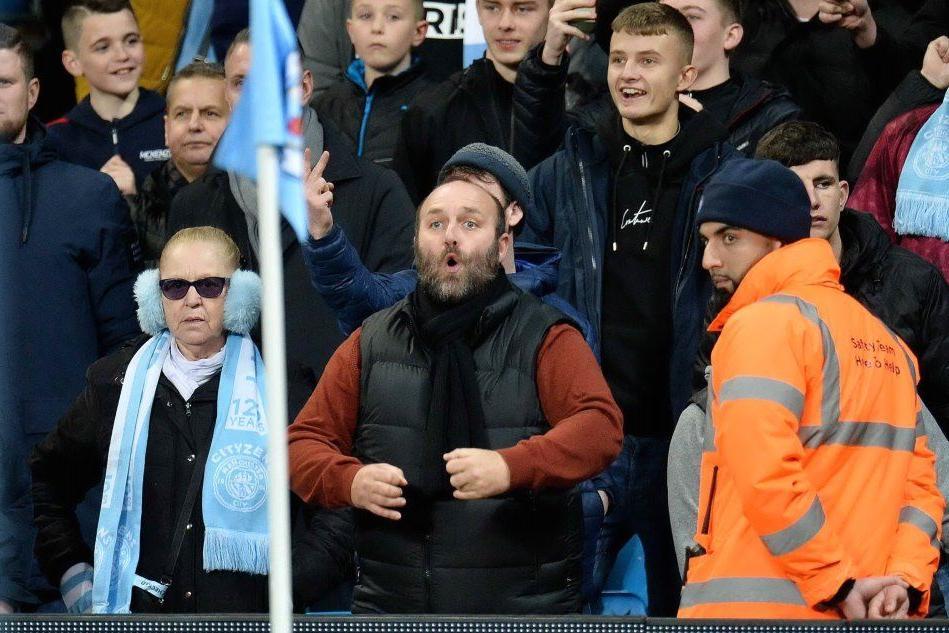 Razzismo negli stadi, pugno duro in Inghilterra: arrestato un tifoso del City