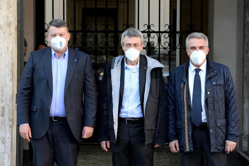 Manovra, Draghi incontra i sindacati: tensione sullepensioni