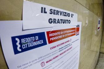 Reddito di cittadinanza senza averne diritto, 108 denunciati: danno erariale da450mila euro