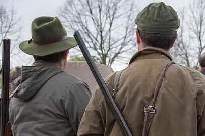 Parte un colpo per sbaglio: grave un cacciatore di Arzachena