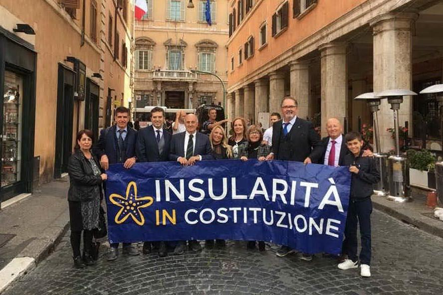 Insularità, la battaglia trova nuovi alleati: «Patto con la Sicilia»