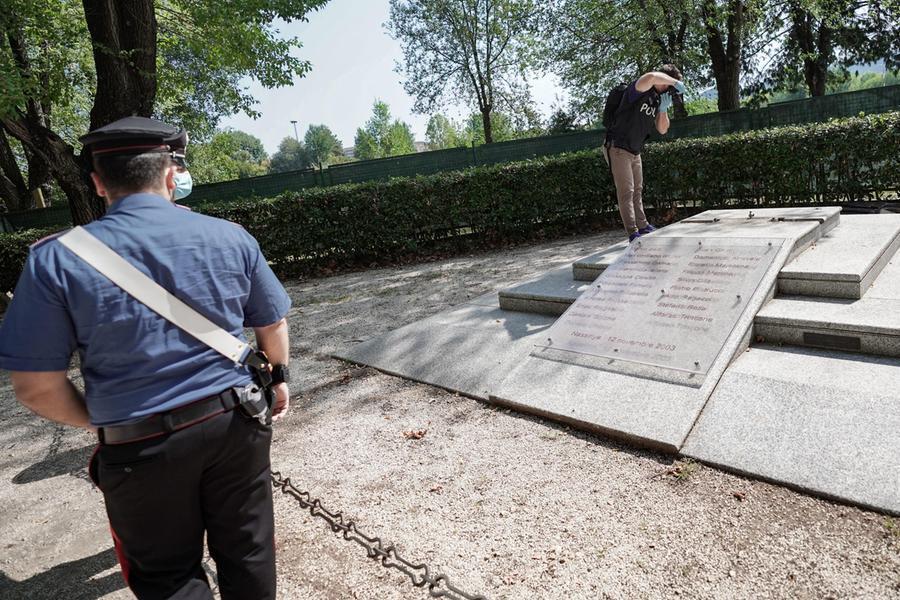 Torino, distrutto il monumento dedicato ai caduti di Nassiriya