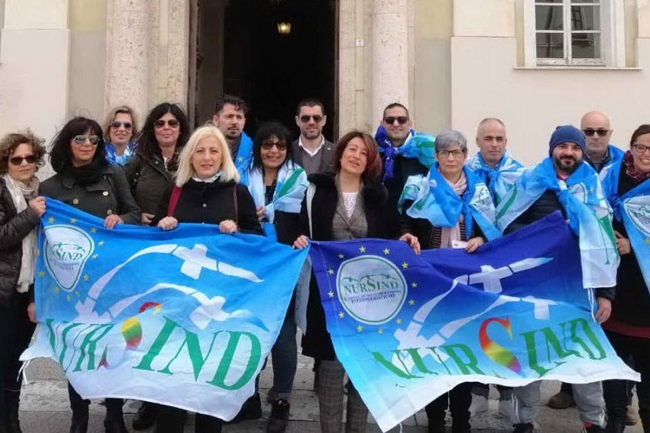 Vaccini, a Sassari gli studenti delle professioni sanitarie in piazza