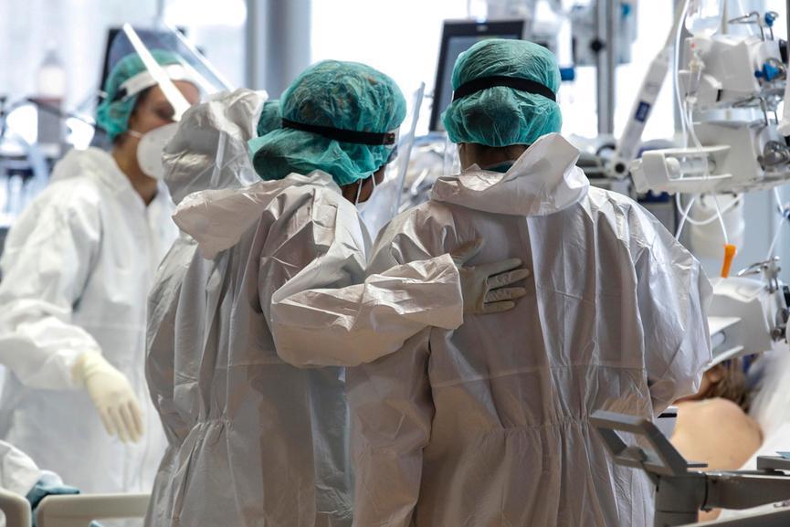 Pochi vaccinati e troppi contagi, in Sicilia restrizioni in 55 Comuni