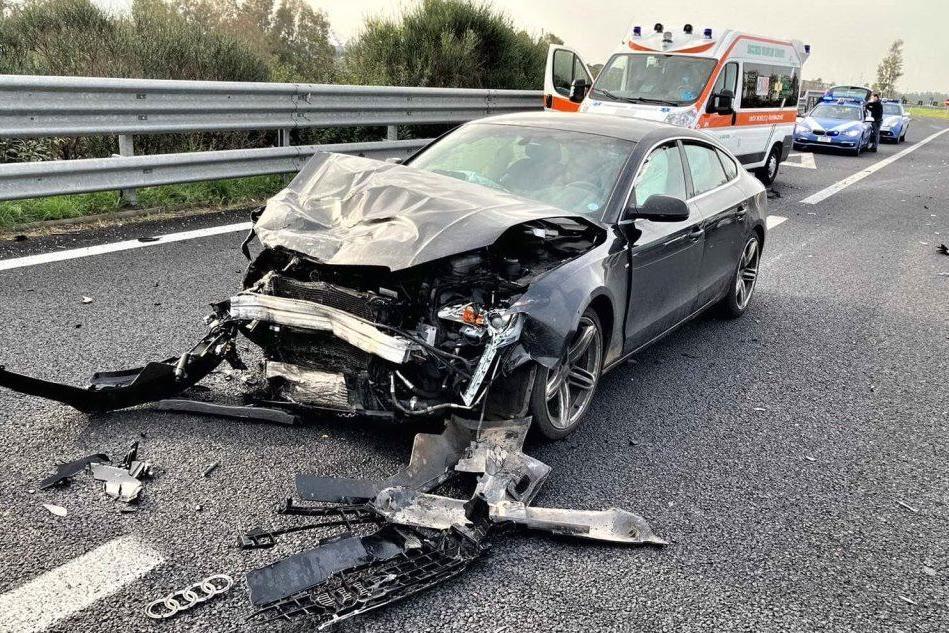 Oristano, incidente sulla Statale 131: tre auto coinvolte e un ferito