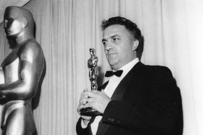 "#AccaddeOggi: 13 aprile 1964, Fellini vince l'Oscar con ""8 1⁄2"""