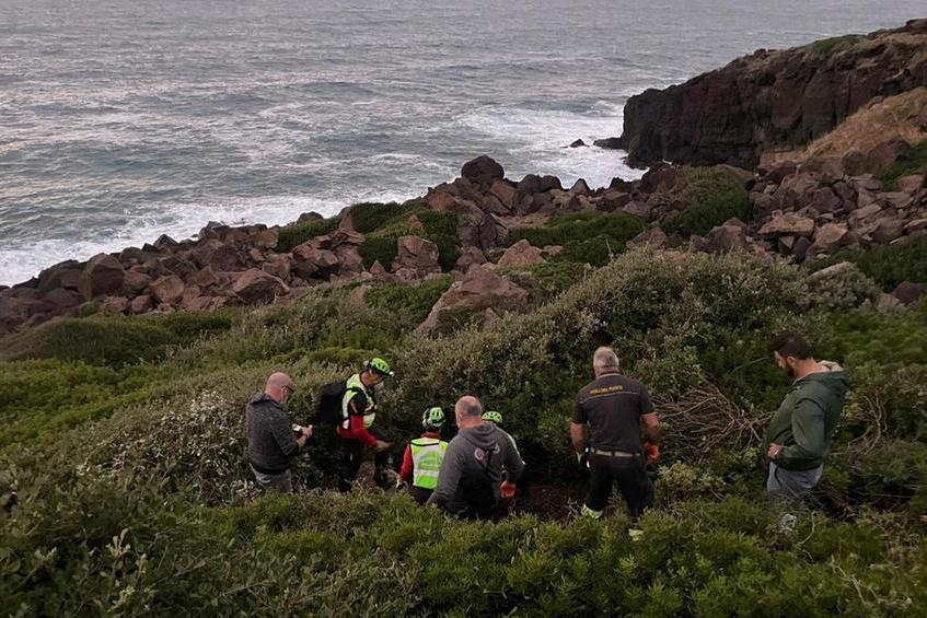 """Castelsardo, i soccorritori del turista trovato morto: """"Il cadavere era in un punto già battuto molte volte"""""""