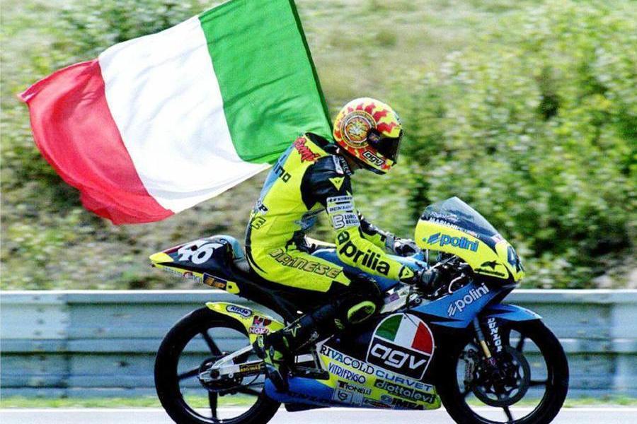Ultima corsa in Italia per Valentino Rossi, il Dottore saluta dopo 26 anni di imprese