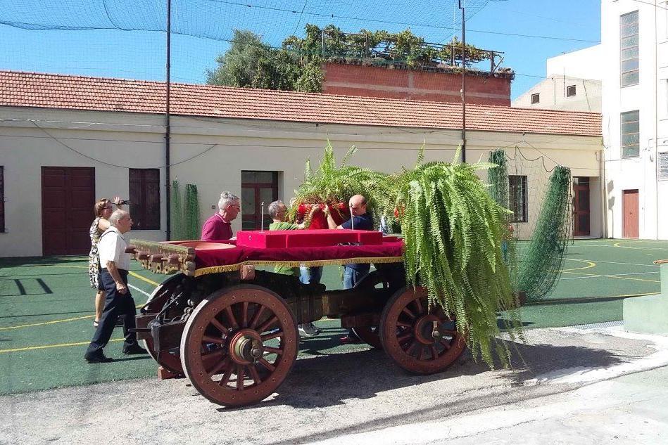 Quartu, allestito il carro che trasporterà la patrona in processione